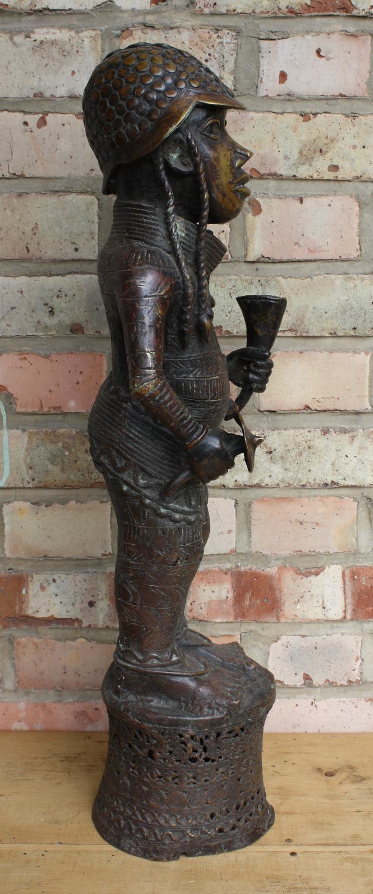 Würdenträger Bronzefigur, Benin, 1. Hälfte 20. Jh.-2